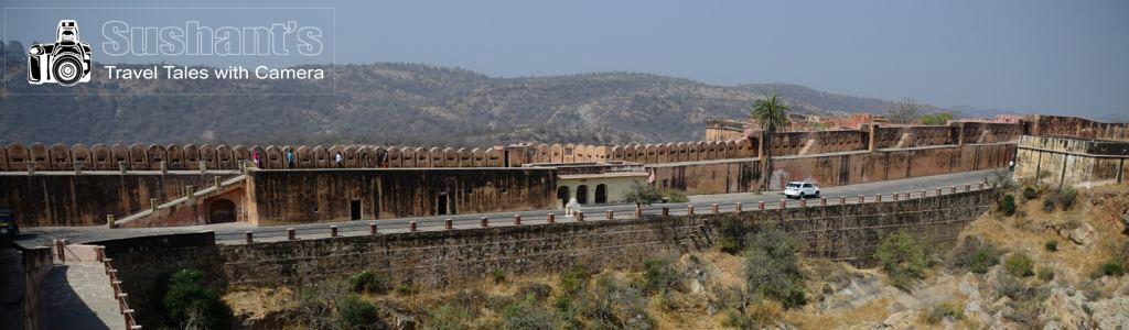 जयगढ़ दुर्ग में जयवाण तोप की ओर जाने वाली सड़क !