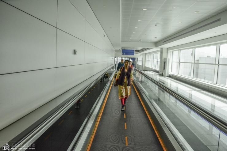 Travelators in Dubai International Airport Terminal