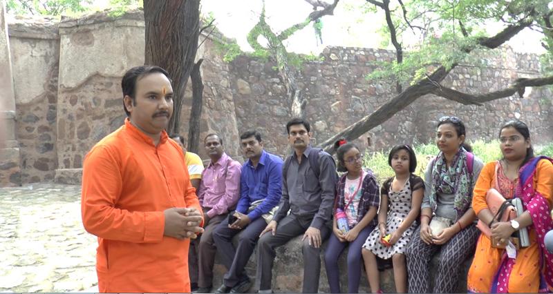 पं. सरयू प्रसाद मिश्र भूली भटियारी महल के बारे में अपने व्यक्तिगत अनुभव बांटते हुए