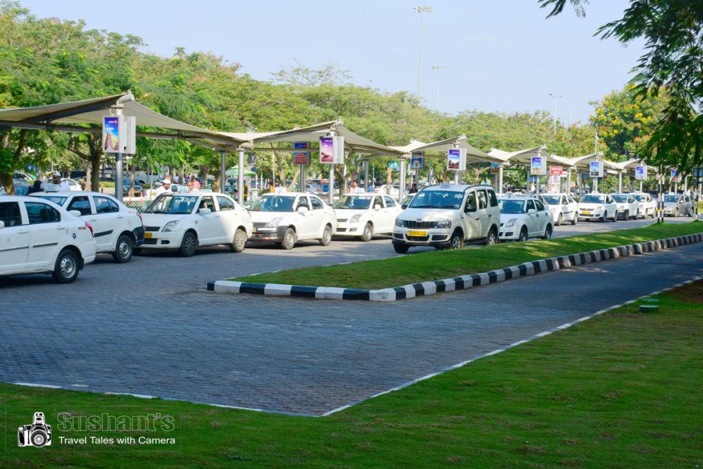 हैदराबाद एयरपोर्ट टर्मिनल : टैक्सी स्टैण्ड !
