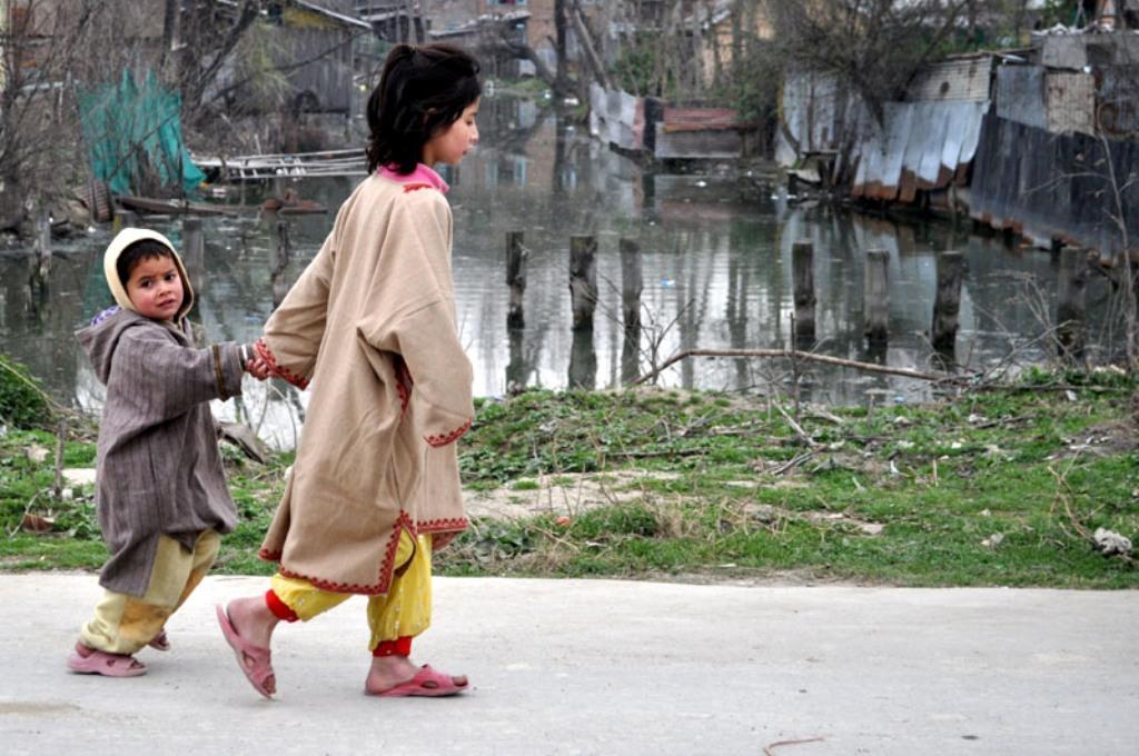 काश्मीर यात्रा – श्रीनगर के बाग, महल और मंदिर के दर्शन